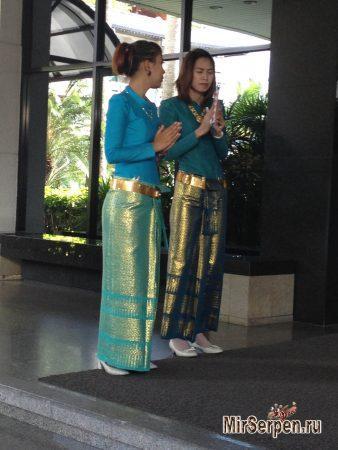Правила поведения в Таиланде: Как правильно поздороваться