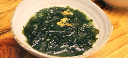 Суп из морской капусты и морского ежа