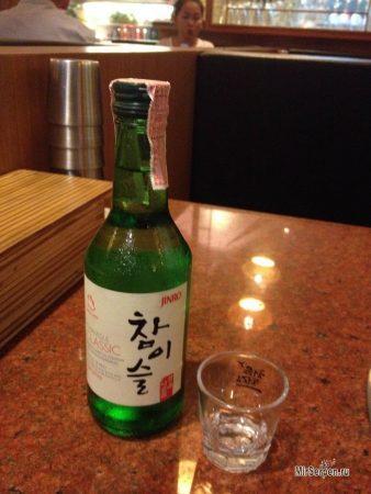 Обзор южнокорейского алкоголя: ликер сочжу, ликер Bidan и вино макколи