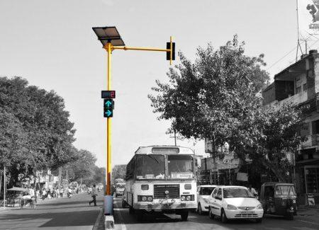 Что в Индии значит красный свет светофора?