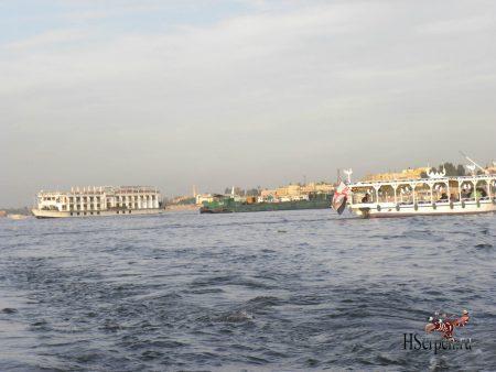 Великая река Нил в Луксоре