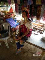 Деревня длинношеих (деревня народности карены) вблизи Паттайи