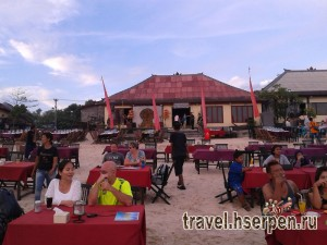Ночная жизнь на Бали