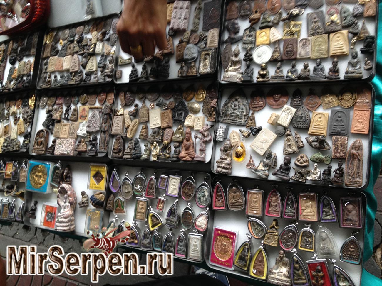 Шоппинг в Бангкоке: Бронзовые сувениры в китайском квартале