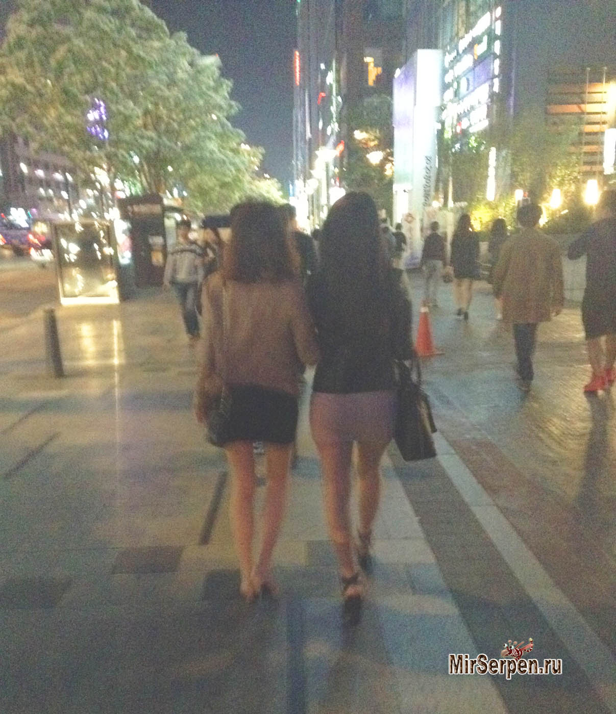 О том, как некоторые молодые корейцы знакомятся с девушками