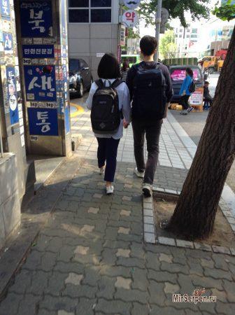 Корейские парочки на улицах Сеула