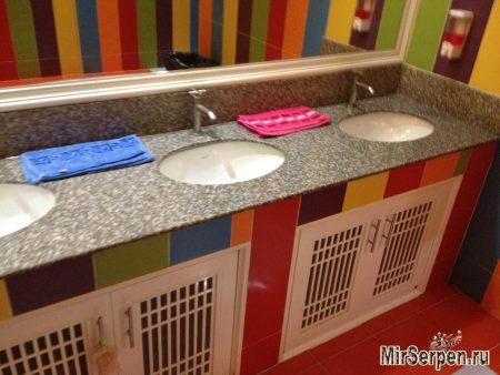 Туалетная тема в тайских клубах