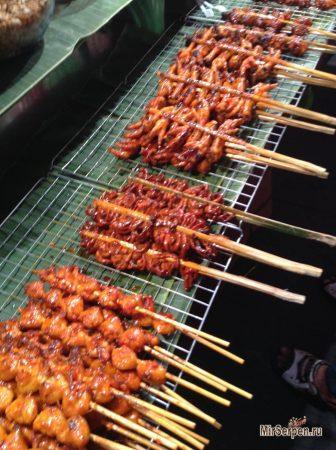 Тайский стритфут: куриные лапки