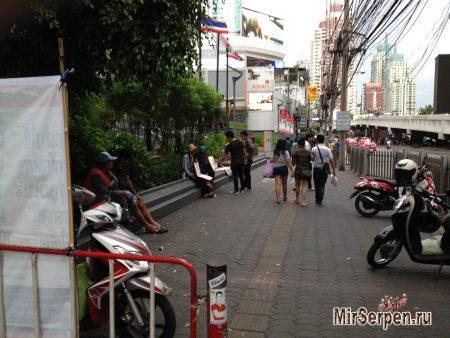 Тайцы и лотерея, проверка удачи и кармы