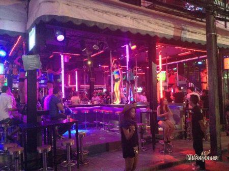 Закроют ли в Таиланде Go-Go бары?